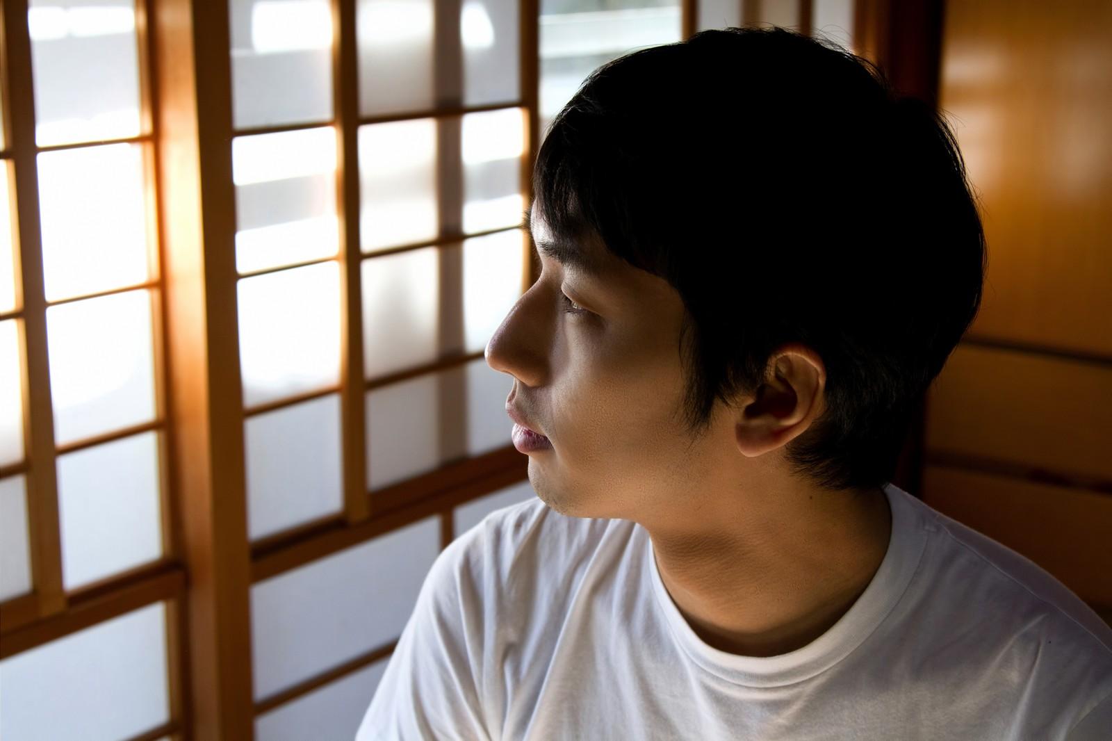 26NJ_washitukarasotowomirudansei_TP_V